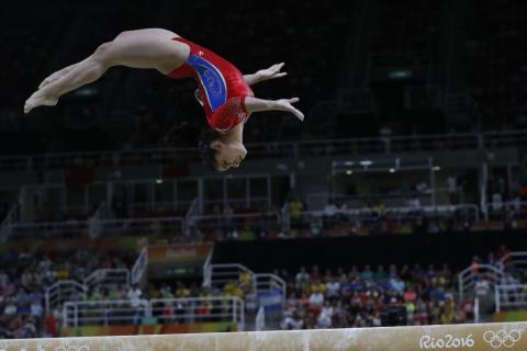 Российские гимнастки завоевали серебро в командном первенстве на Олимпиаде-2016