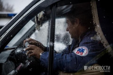 Водитель заблокировал «скорую помощь», которая встала на «его парковочном месте»