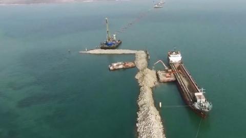 Украина подаст в суд на Россию из-за строительства моста в Крым через Керченский пролив