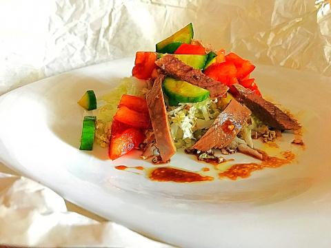 Бюджетный и вкусный салат с остатками роскоши, после праздников.