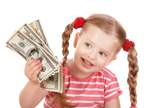 Стоит ли играть с ребенком на деньги?