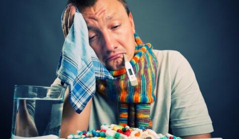 Почему не стоит принимать антибиотики при простуде