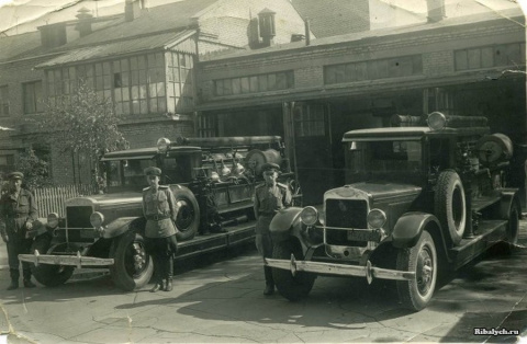 Старые снимки  московских пожарных машин