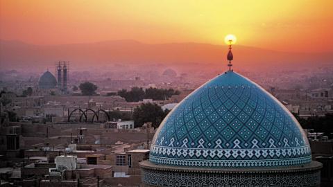 Новости мира: в Иране задержали брата президента за финансовые преступления — СМИ
