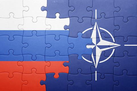НАТО собиралась развалить СССР, а затем раздробить Россию — ветеран разведки
