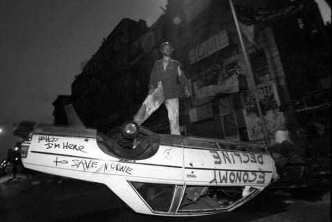 Сила протеста: демонстрации, которые сотрясали Нью-Йорк в 1980 – 2000 годах