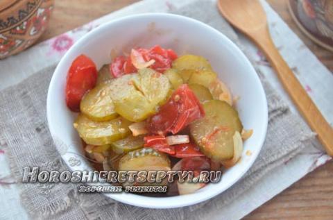 Салат из помидоров и огурцов на зиму