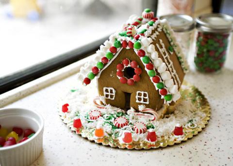 Как испечь пряничный домик