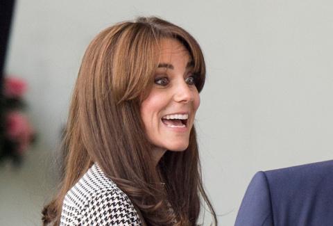 Кейт Миддлтон в голубом костюме произвела фурор на встрече с королем Нидерландов