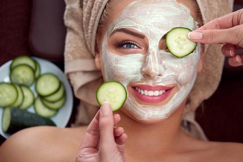 ТОП-5 масок для лица из летних овощей и фруктов