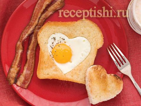 Тосты с яичницей (завтрак в …