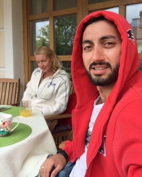 Молодой любовник откровенно рассказал об отношениях с Волочковой