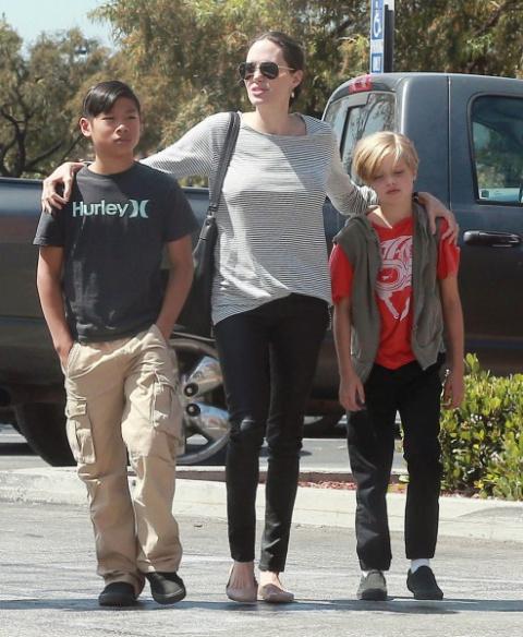 Анджелина Джоли: во что развод превращает женщину? ФОТО.