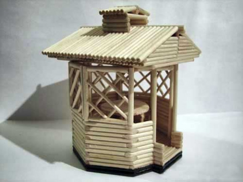Беседка-сувенир из деревянны…