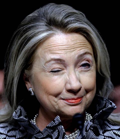 Пользователи соцсетей озаботились здоровьем Хилари Клинтон