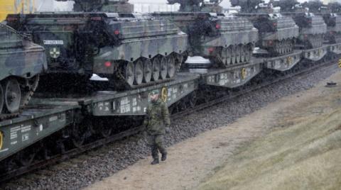 Батальон НАТО начал передвижение в Эстонию