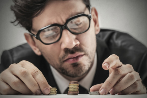 Он скряга! 9 непростительных поступков, которые выдают жадного мужчину