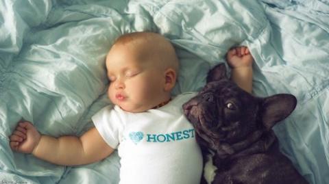 Родившиеся в один день малыш…
