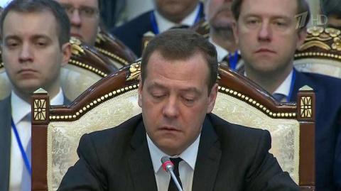 Премьер Медведев рассказал, …