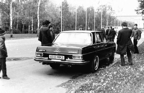 Иномарки на улицах советской Москвы