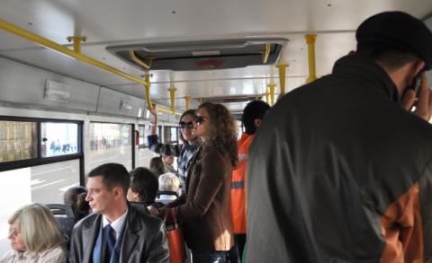 Автобус, полно пассажиров) из жизни