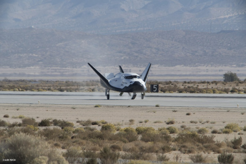 Космоплан Dream Chaser совершил первую успешную посадку