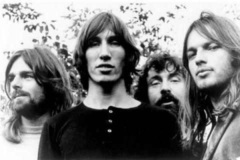 Бессмертный хит от Pink Floyd. От просмотра этого клипа мороз по коже!
