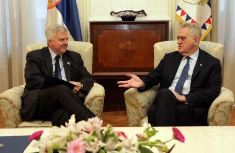 Президент Сербии — послу США: Я надеюсь на Трампа, и Косово мы не признаем