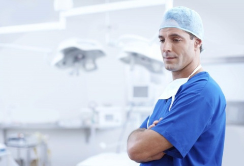 История о враче и пациенте, …