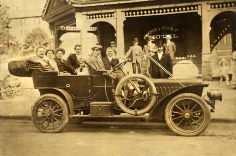 Старинные автомобили начала XX века