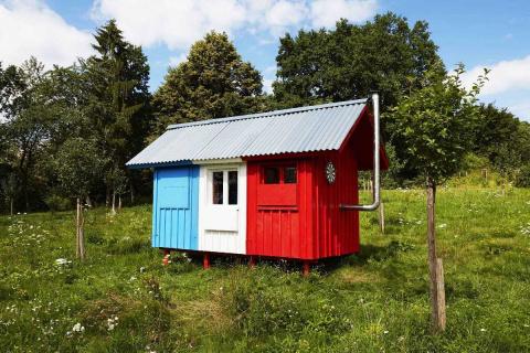 Чешский архитектор создал сборный домик всего за 1200 долларов