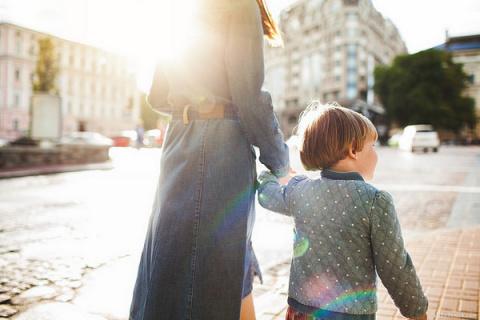 Быть только мамой — стыдно?