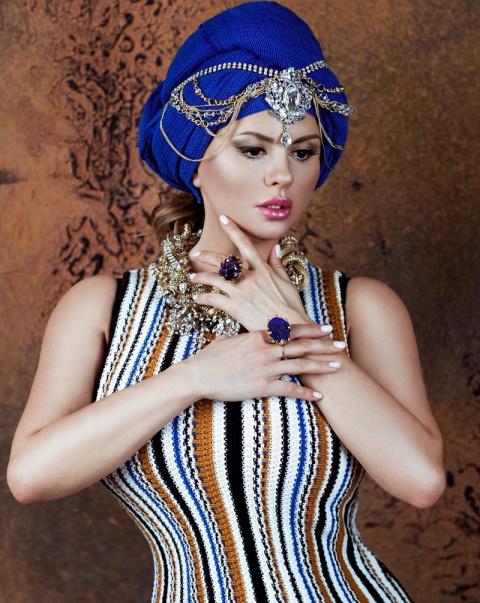 Богиня фотошопа — 10 фото, где Анна Семенович явно переборщила с красотой