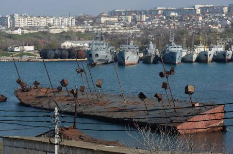 Украина просит Крым. Обещает принять