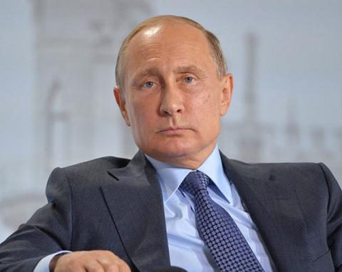 Путин протянул руку утопающе…