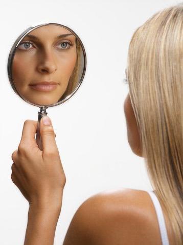Что будет, если долго смотреть в зеркало ...