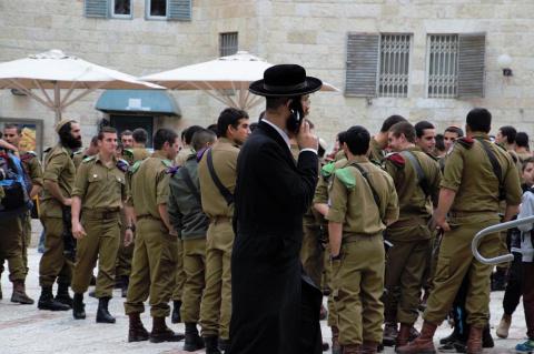 Израиль разжигает войну на Б…