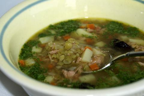 Гороховый суп с черносливом и тушёнкой