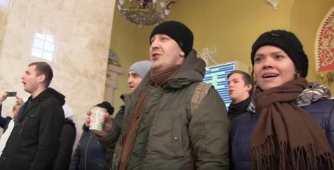 Харьковчане подхватили песен…