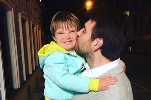 Разведенная Эвелина Бледанс отдала сына бывшему мужу