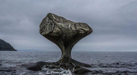 Наглядный пример того, как вода точит камень....