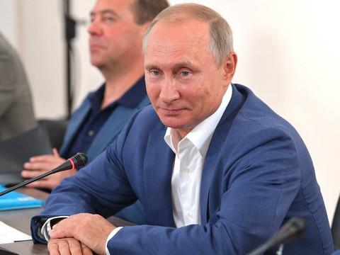 Кашин: Путин молчанием о сур…