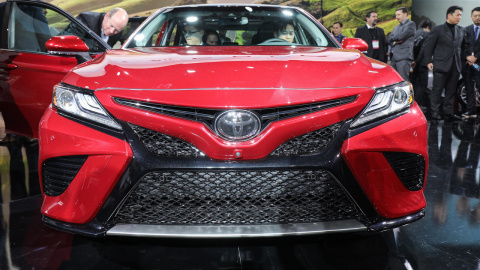 Новая Toyota Camry шокировала Детройт
