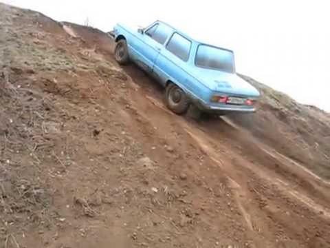 Машина летит к обрыву. Сергей Веселовский