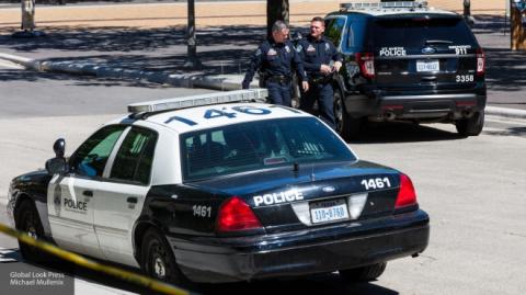 Неизвестный с ножом ранил троих и убил одного человека в американском Портленде