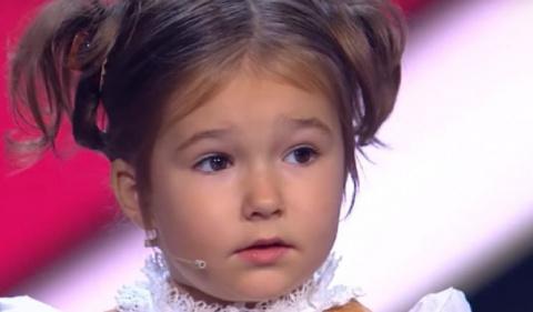 Четырехлетняя девочка-полиглот прославилась на всю Россию