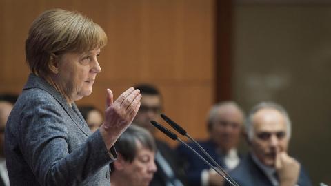 Меркель стало уже не до переговоров с премьером Нидерландов