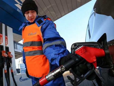 Бензин по 50 рублей за литр:…