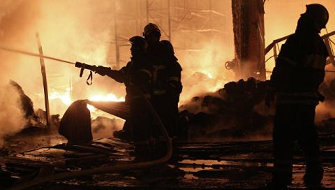 В Харьковской области горят склады с боеприпасами