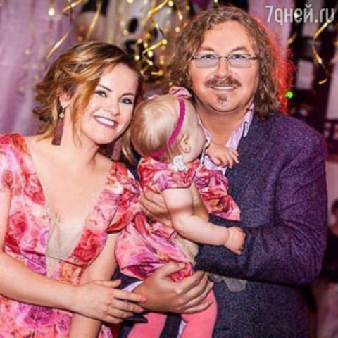 Супруга Игоря Николаева впервые рассказала о том, как выхаживала новорожденную дочку